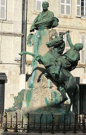 Monument Eugene Fromentin