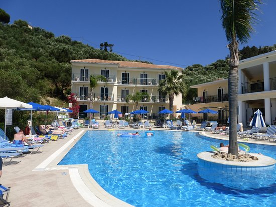 Zante Star: Lovely big pool