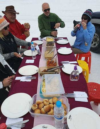 우 유니 (Uyuni)에서 열리는 기차 묘지와 점심 식사가 포함 된 개인 소금 평일 투어 사진