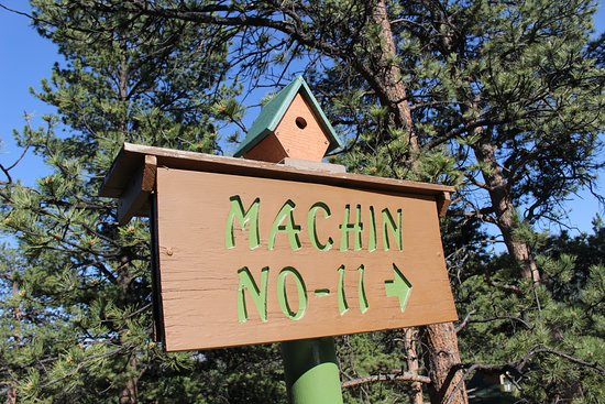 Machin's Cottages in the Pines: Our little home away from home