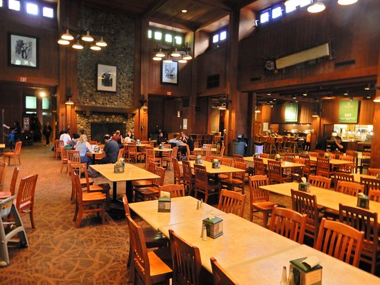 Half Dome Village Pavillion: Dining area.