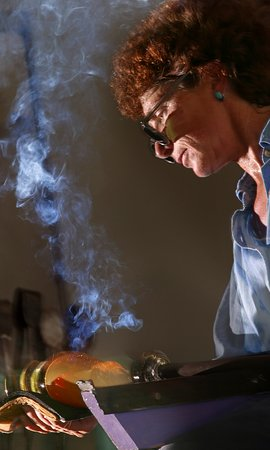Thal Glass Studio: Laurie at work blowing glass
