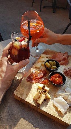 Passendale, Belgium: Tapas, homemade sangria & apero spritz