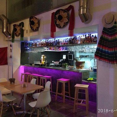 El Azteca Restaurante Mexicano y Tequila Bar: Mexican Restaurant & Bar