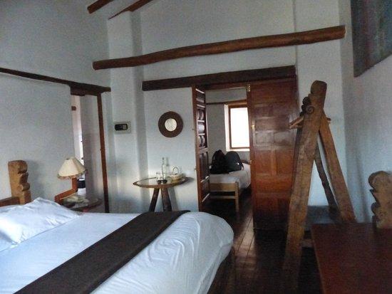 El Balcon: family room no1
