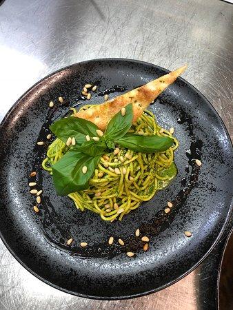Ebikon, سويسرا: Spaghetti Basilikumpesto
