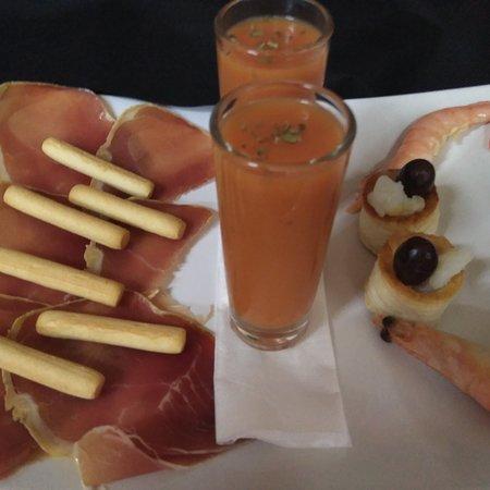 Alio, Hiszpania: Aperitivo de nuestro Menú de fin de semana. ( Aperitivo para 2personas)