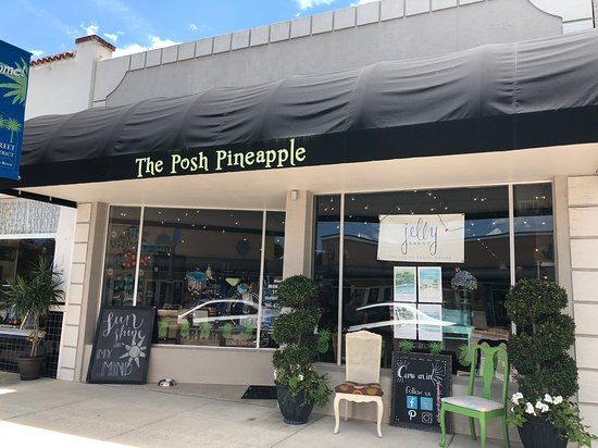 ‪The Posh Pineapple‬