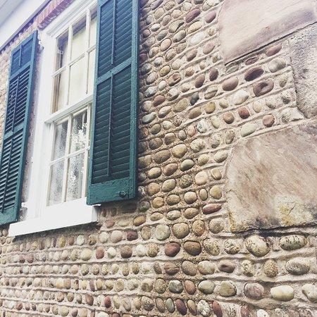 Albion, NY: Characteristic cobblestone construction.