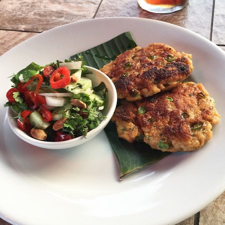 The Red Lion: Crab cakes and salad - Thai style 👌🏽