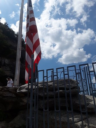 Chimney Rock, Kuzey Carolina: 20180614_155211_large.jpg