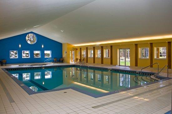 Manning Park Resort: Loon Lagoon Pool Facility
