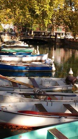Pont des Amours: los botes en el lago