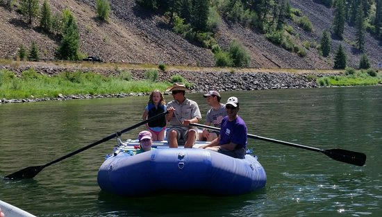Plains, Монтана: Scenic float trips available on Clark Fork