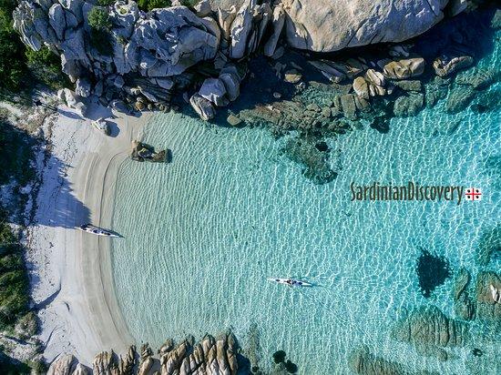 San Pantaleo, Italie : La Maddalena Archipelago - sea kayak