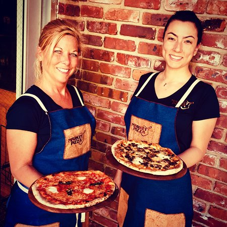 Stockton, Nueva Jersey: Showing off new Cork and Denium Aprons