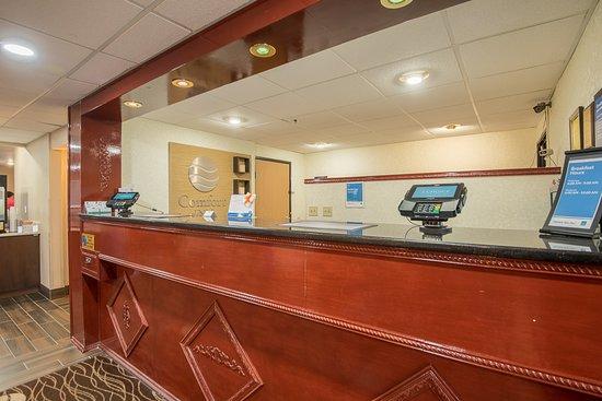 Comfort Inn Racine - Mount Pleasant: 24 x 7 Front Desk Guest Reception Service