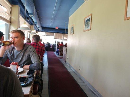 Lake Louise Village Grill & Bar: Interior