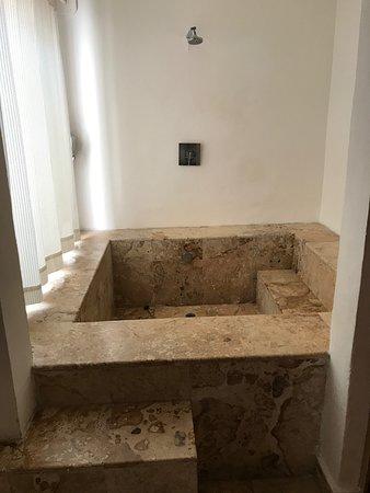 Na Balam Beach Hotel: Room #13 - Shower/Tub