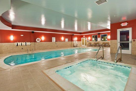 holiday inn express suites dayton south 108 1 2 2. Black Bedroom Furniture Sets. Home Design Ideas