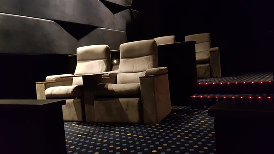Cool Lux Small Theater Side Seats Picture Of Hoyts Melbourne Beatyapartments Chair Design Images Beatyapartmentscom