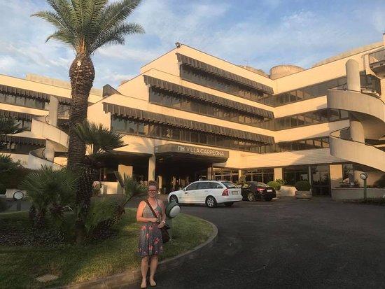 NH Roma Villa Carpegna : Outside the hotel