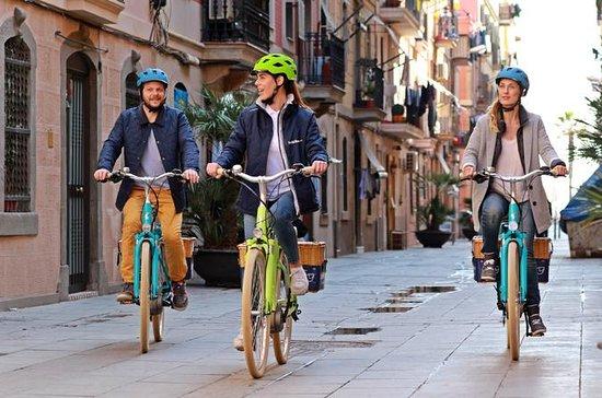 3.5時間のバルセロナ、モンジュイックヒル、ゴシック地区のE-バイクツアー
