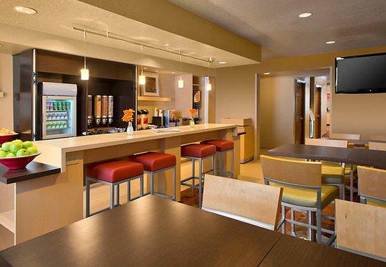 Englewood, CO: Restaurant