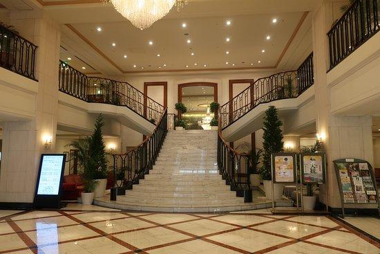 Hotel Nikko Princess Kyoto: 明るい印象のロビー