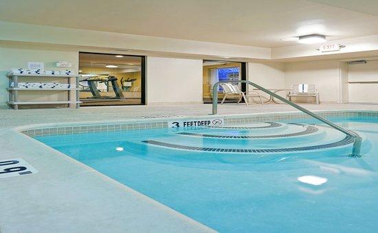 Clifton Park, NY: Pool