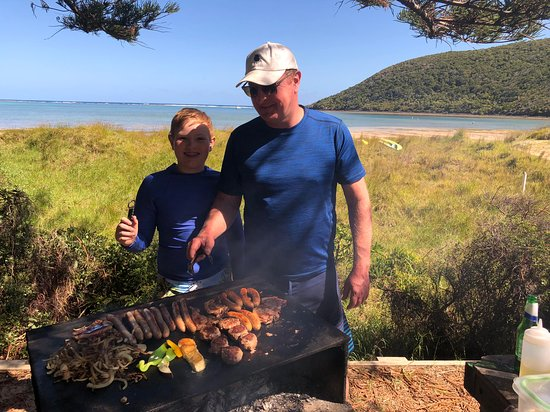Pinetrees Lodge: One of our BBQ feasts at Old Settlement
