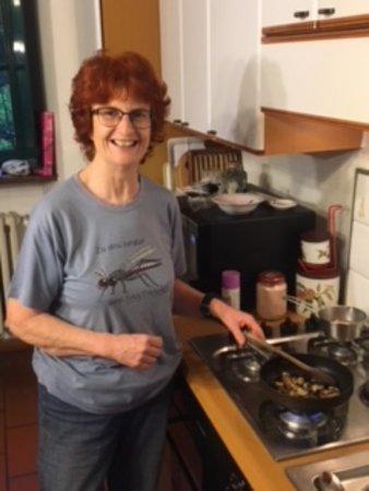 Borgo Ticino, Italia: Lorraine cooking fresh boletus!