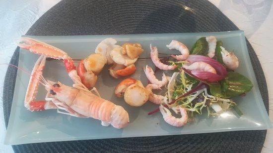 Assiette Scaeroise: Crevettes décortiquées,noix de St est huile de Homard