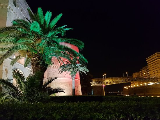 Castello Aragonese: 20180616_232415_large.jpg