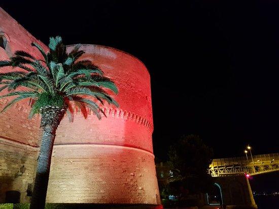 Castello Aragonese: 20180616_231353_large.jpg