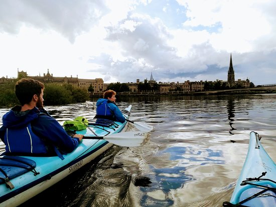 Outdoor Explore: Perth city centre from the water