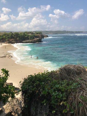 The Cubang Hut's Lembongan: Dream Beach 3min walk from hotel