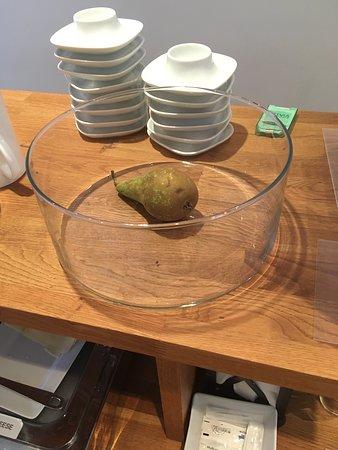 Hotel Copenhagen: Lonely Pear as sole fruit option