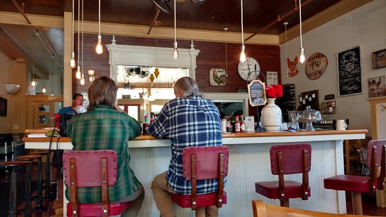 McCloud Mercantile Hotel: Cafe for Breakfast ($20 allotment included with room)