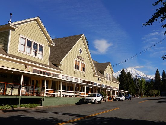 McCloud Mercantile Hotel: The Mercantile (shops on first floor, rooms on second floor)