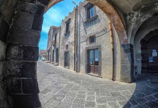 Riposto, إيطاليا: Porticciolo di Torre Archirafi