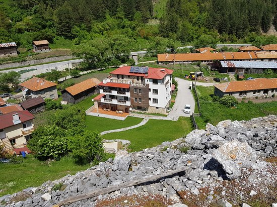 Trigrad, Bulgária: The hotel from above