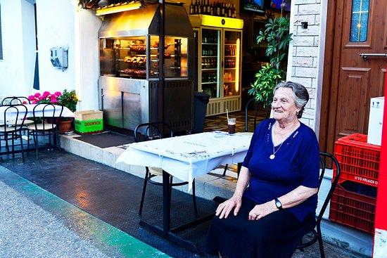 Skala Panagia, Greece: Taverna girişi
