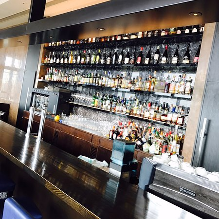 R Restaurant & Bar照片