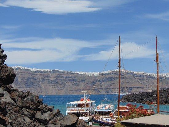 Santorini Volcano: Причал для кораблей на вулкане