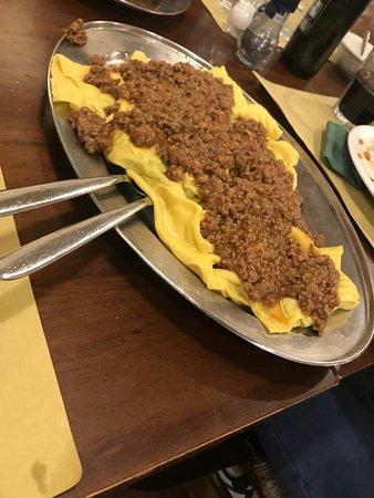 Istia d'Ombrone, Italia: Tortelli al ragù, tagliatelle alla lepre e picci cacio e pepe.