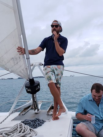 Bermuda Sunset Cocktail Cruise: Guide answering questions