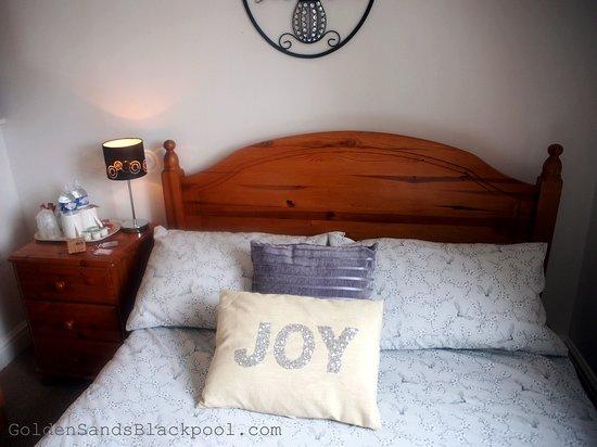 Golden Sands Hotel: Golden Sands Blackpool - Budget Room - Room Six