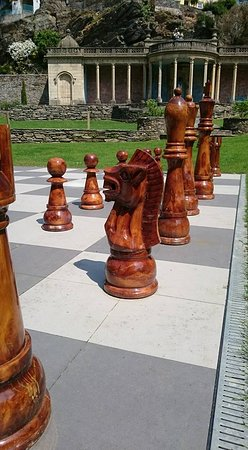 Portmeirion Village: prefer battleships to chess ;)