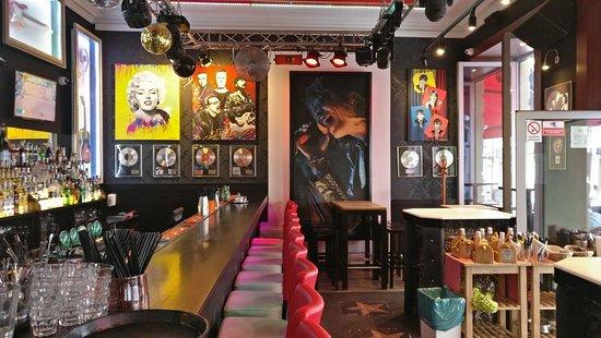 Infiniti Rock cafe ภาพถ่าย